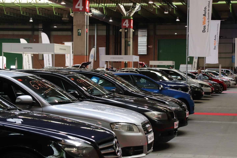 Bruselas busca un pacto para evitar que la guerra comercial golpee al sector del motor.
