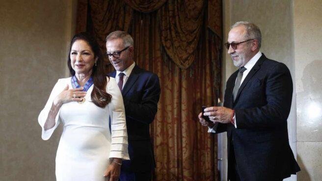 Gloria Estefan recibe la Medalla de Bellas Artes.