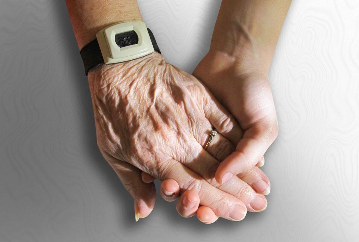 España bate su máximo histórico de envejecimiento.