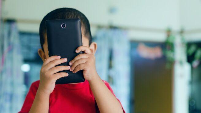 Francia prohíbe los móviles en los colegios.