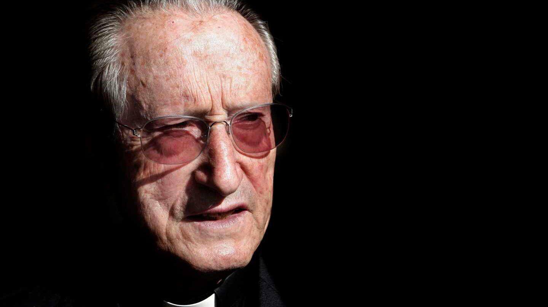 Fotografía de archivo, tomada el 8/11/07, del obispo emérito de San Sebastián José María Setién.
