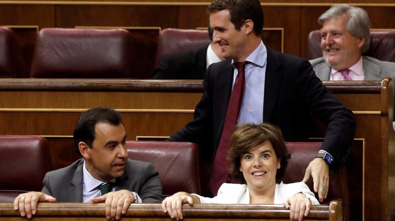 Pablo Casado, Soraya Sáenz de Santamaría y Fernando Martínez Maíllo, en el Congreso de los Diputados.