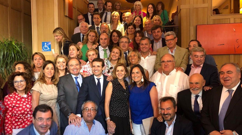 Despedida de miembros del PP a Cospedal.