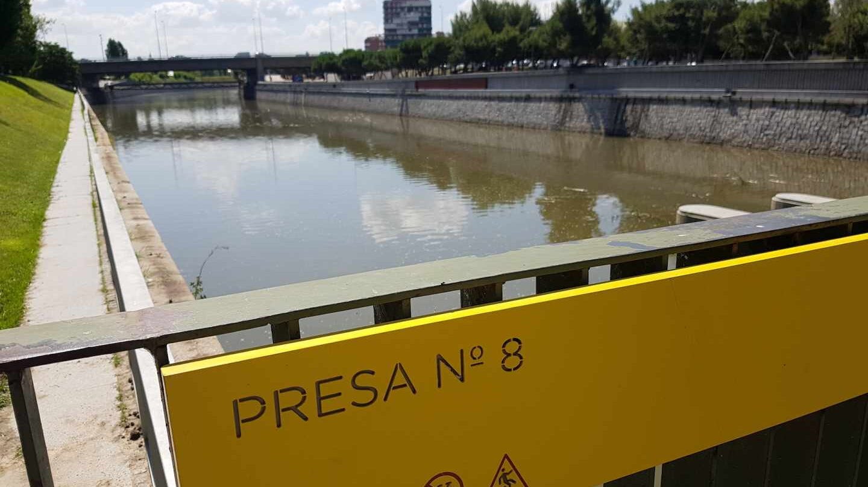 El tramo entre la presa 8 y 9 del Manzanares vuelve a tener agua embalsadaEl tramo entre la presa 8 y 9 del Manzanares vuelve a tener agua embalsada