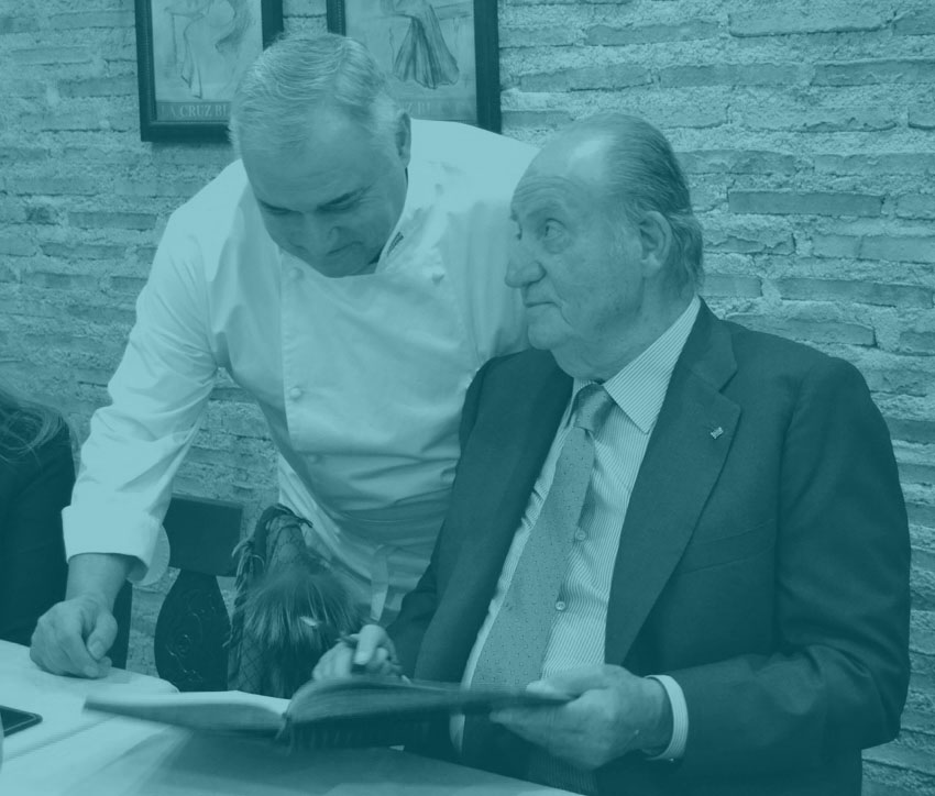 Don Juan Carlos, en un restaurante de Madrid.