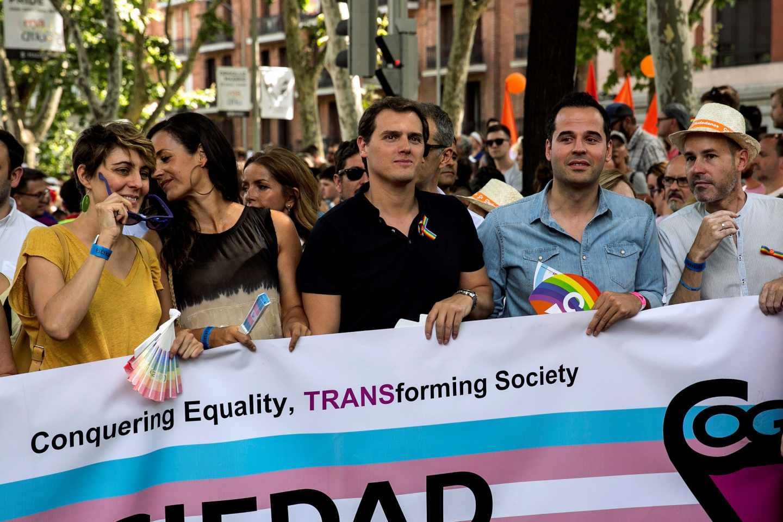 Albert Rivera, en la cabecera de la manifestación del Orgullo LGTBI en 2018