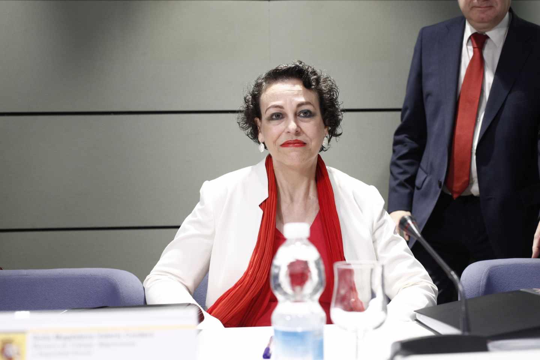 La ministra de Trabajo, Magdalena Valerio, prevé abonar la paga compensatoria de las pensiones el viernes 27 de julio.