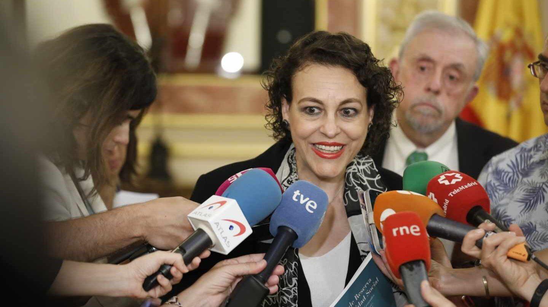 La ministra de Trabajo, Magdalena Valerio, acompañada del secretario de Estado de Seguridad Social, Octavio Granados.