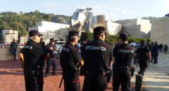 Acto de recuerdo del agente de la ertzaintza Txema Agirre asesinado por ETA en 1997 días antes de la inauguración del Guggenheim.