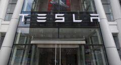 La junta de Tesla estudia ya la hoja de ruta para sacar a la compañía de Wall Street