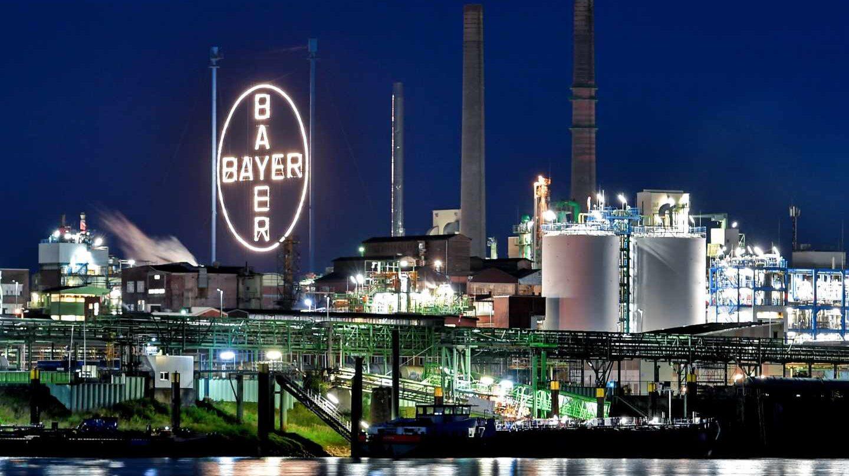 La millonaria multa a Monsanto hunde a Bayer a mínimos de cinco años.
