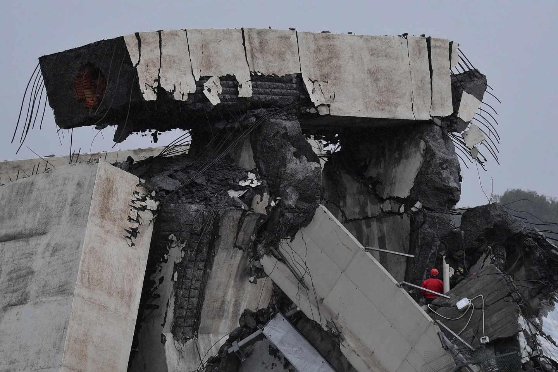 Sección del puente Morandi derrumbado