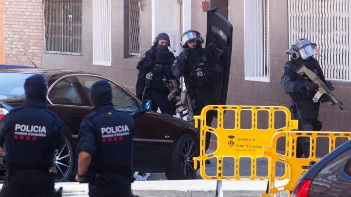 Sindicatos de Mossos piden más efectivos y seguridad en las comisarías tras el ataque