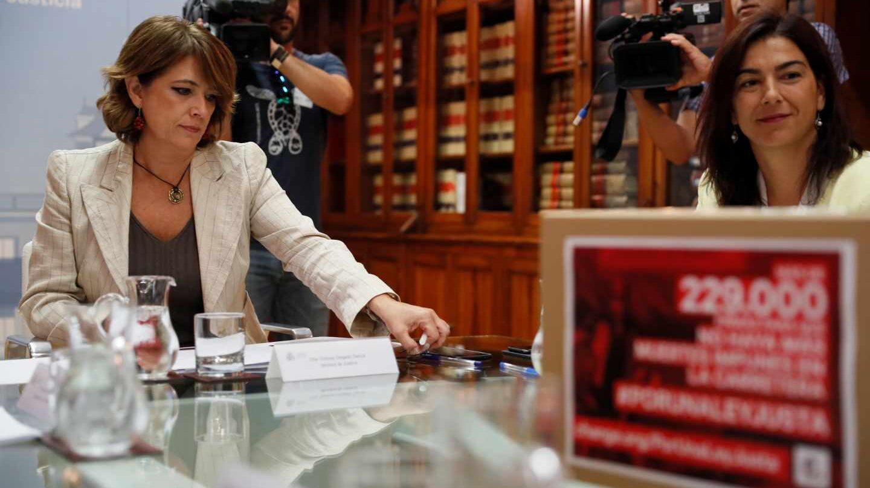 Dolores Delgado, en una reunión en el Ministerio de Justicia.