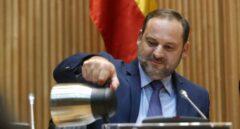 El ministro de Fomento, José Luis Ábalos, durante su comparecencia en el Congreso.