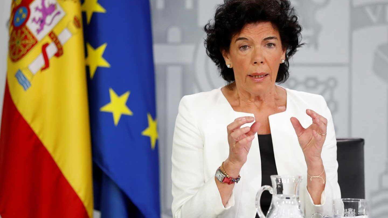 La ministra de Educación y portavoz, Isabel Celaá, tras el Consejo de Ministros.
