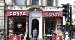 Coca-Cola se enfrenta a Starbucks: compra las cafeterías Costa, su mayor competidor