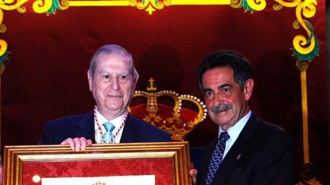 Alfonso Osorio junto al presidente de Cantabria, Miguel Ángel Revilla.
