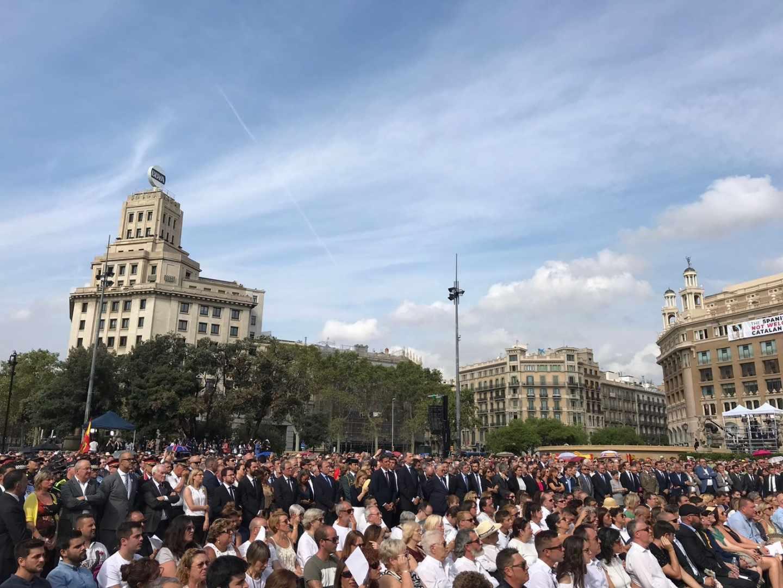 Autoridades en el acto del I aniversario de los atentados en Catalunya
