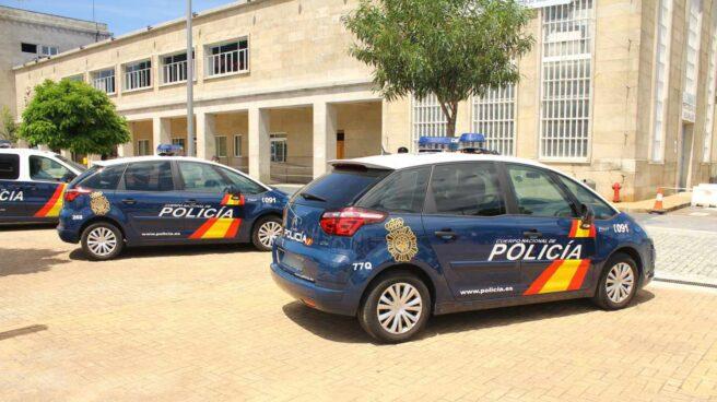 Coches patrulla de la Policía Nacional