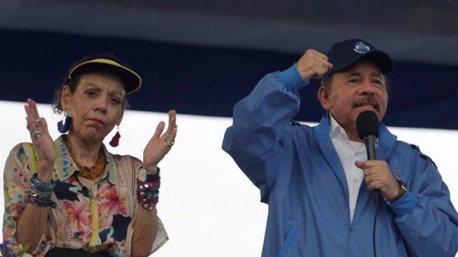 El presidente de Nicaragua, Daniel Ortega, junto a su esposa, Rosario Murillo, en Managua.