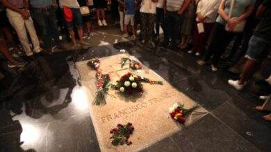 La exhumación de Franco no vulnera ningún derecho fundamental de la familia, dice el TC