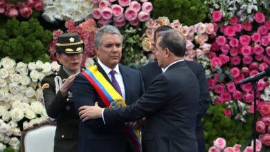Iván Duque asume como presidente de Colombia en plena tensión con Venezuela