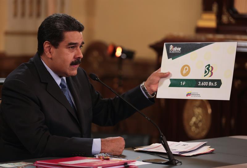 """Maduro, líder venezolano, presenta las bases de su """"milagro económico""""."""