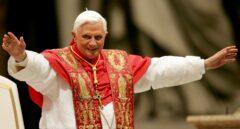 """La salud de Benedicto XVI, """"extremadamente frágil"""", según su biógrafo"""