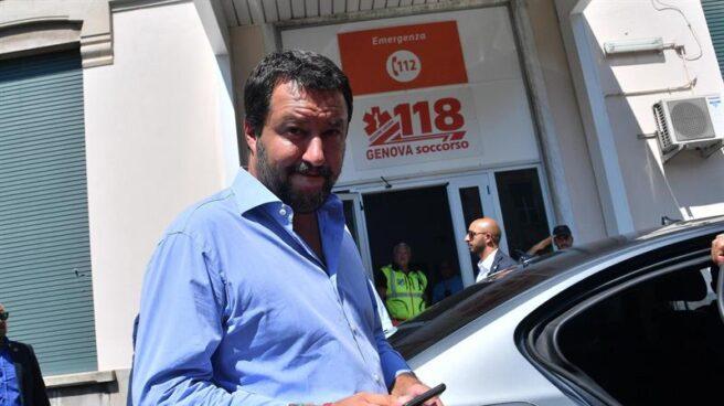 Matteo Salvini visita a los heridos en Génova.