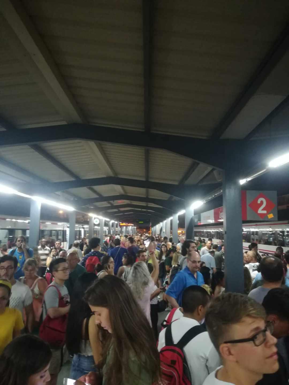 La situación en una de las estaciones de la línea C5.