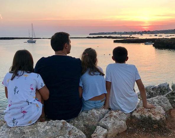 Albert Rivera, con su familia en Menorca.