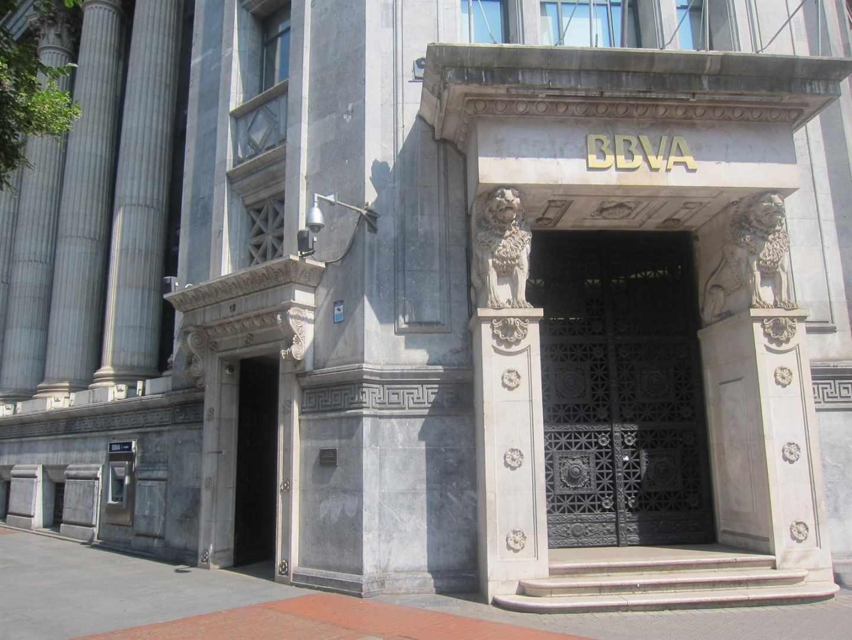 S&P pone 'negativa' la perspectiva del ráting de BBVA por su exposición a Turquía
