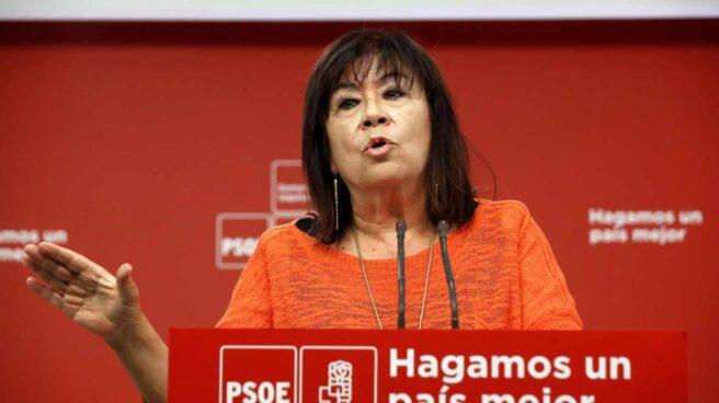 La presidenta del PSOE, Cristina Narbona, en rueda de prensa.