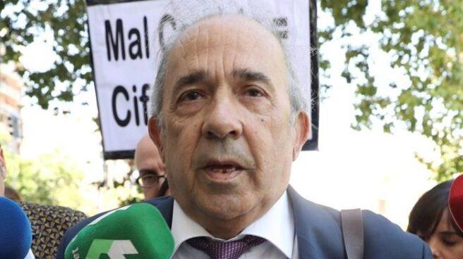 El catedrático Enrique Álvarez Conde, director del organismo que impartió el máster de la URJC bajo sospecha.