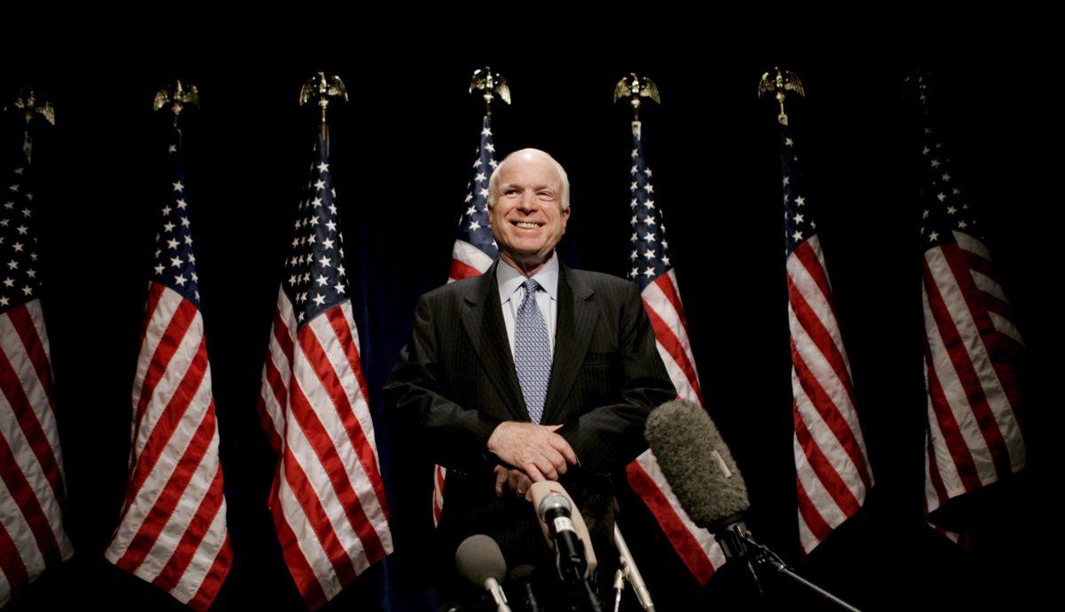 John McCain durante la campaña electoral de 2008
