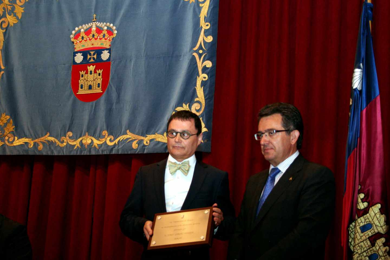 Jordi Garcés (izda), profesor de la Universidad de Valencia, en un acto de la Universidad de Burgos en 2015