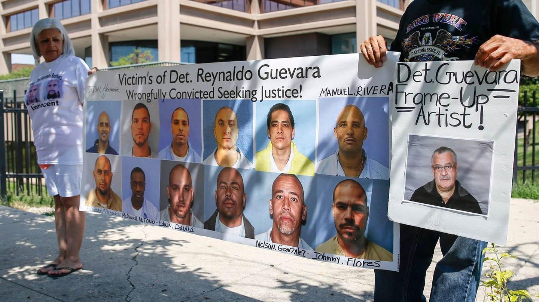 Una protesta en contra del detective Guevara