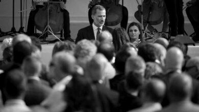 Visita a 'tierra republicana': la etapa más incómoda del 'tour' de Felipe VI y Letizia