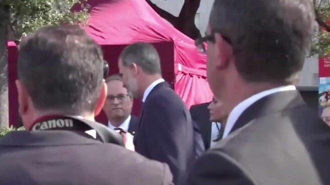 El saludo de Felipe VI a Quim Torra