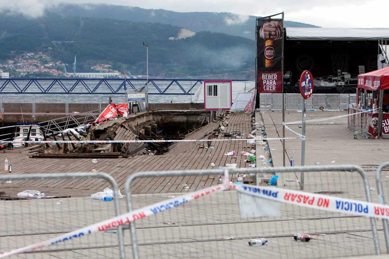 La pasarela derrumbada en el puerto de Vigo.