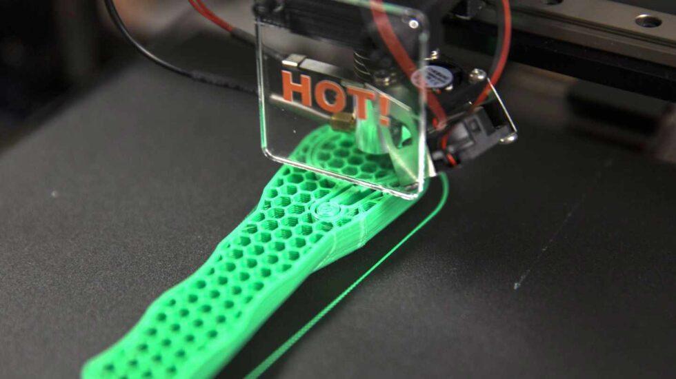 Impresora 3D utilizada en la base de marines de Camp Lejeune, en Estados Unidos. Fotografía de Justin Updegraff
