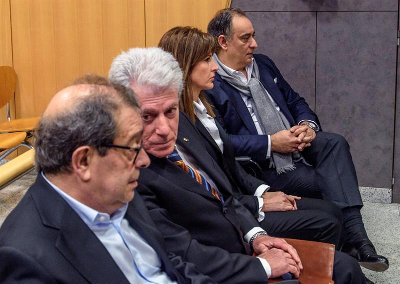 Los ex altos cargos del PNV y resto de acusados juzgados en el llamado 'Caso Margüello'.