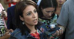 La diputada del PSOE Adriana Lastra, en los pasillos del Congreso.
