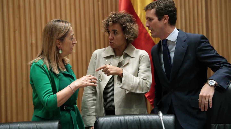 Pablo Casado, junto a Dolors Montserrat y Ana Pastor,