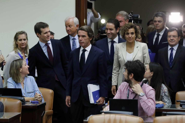 El ex presidente de Gobierno, José María Aznar, junto a Pablo Casado, Dolors Montserrat y Teodoro García Egea.
