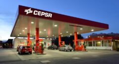 Cepsa lanza un ERTE en sus gasolineras y un plan de recortes tras perder 556 millones
