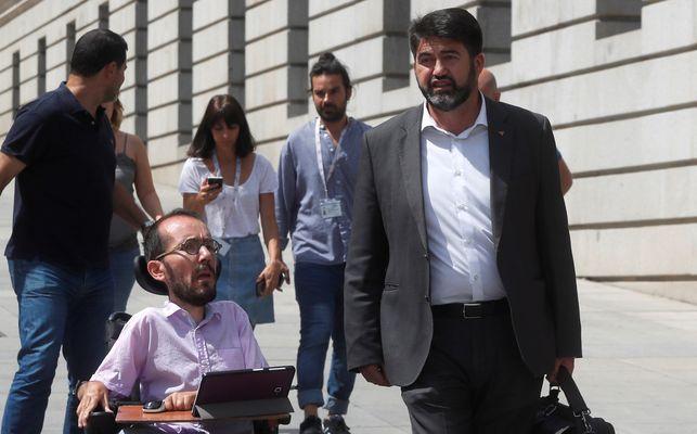 Pablo Echenique y Carlos Sánchez-Mato, en el Congreso.