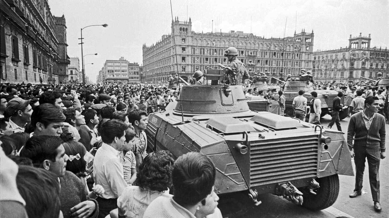 La matanza de Tlatelolco: las balas que ahogaron la rebeldía.