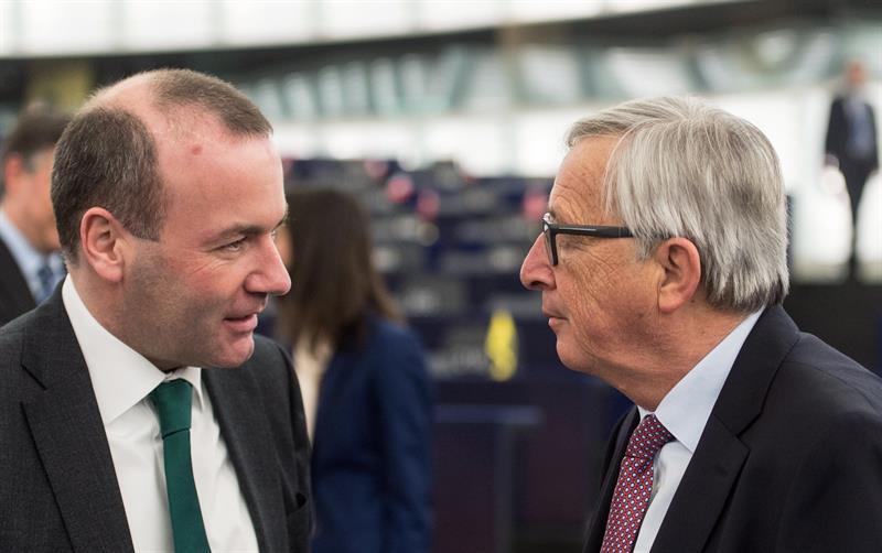 Manfred Weber y Jean-Claude Juncker